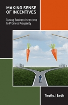 Cover image for  Making Sense of Incentives: Taming Business Incentives to Promote Prosperity